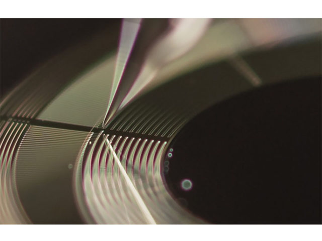Using electricity and water, a new kind of motor can slide microrobots into motion