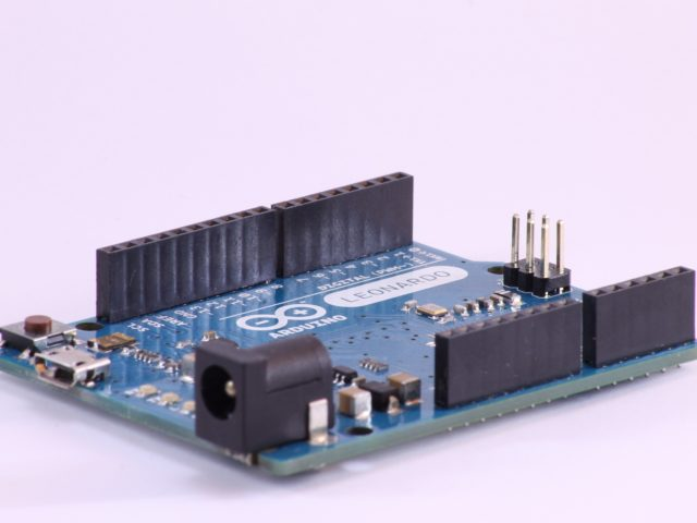 How to read Arduino Uno board.