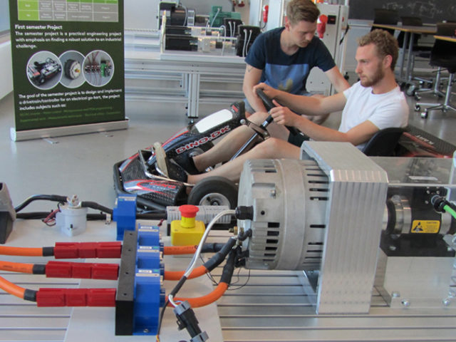 Students at SDU test the user electronics of the future and sustainable technologies