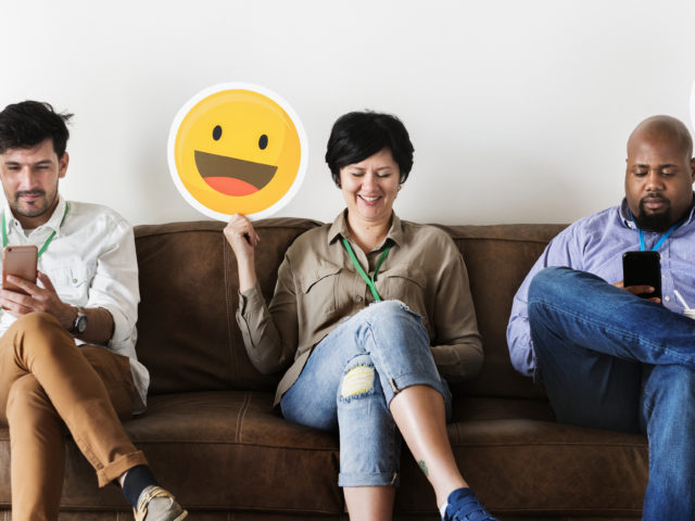 Machine Learning to analyse Emoji usage