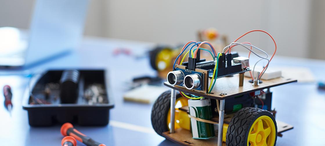 Navigation method that helps robots to find front door