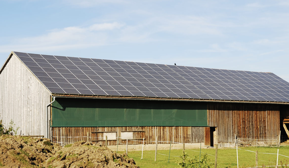 Battery storage rise due to photovoltaic use