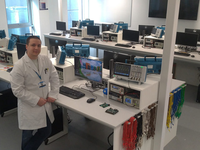 Coventry University chooses Tektronix entry scope, Keithley Instruments and TekScope for Teaching Laboratory