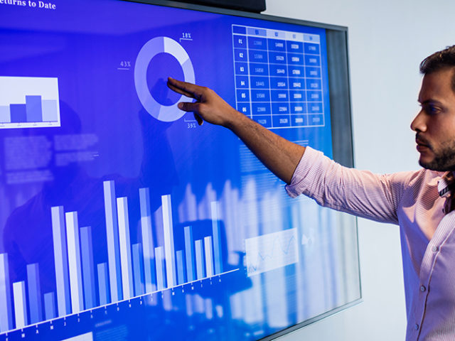AI makes touch screens extra precise